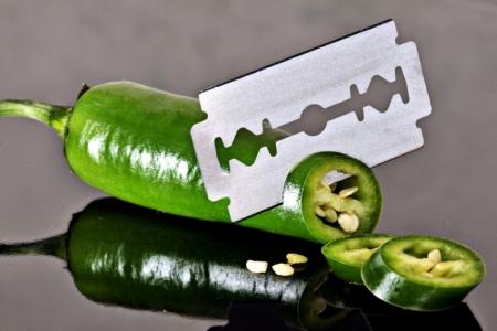 Green-Cut-Knife-Pepperoni-Sharp-Razor-Blade-273985