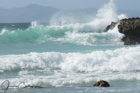 dominican-splash-f64f17d42b6c06a309c5b295adf73e19f2007601
